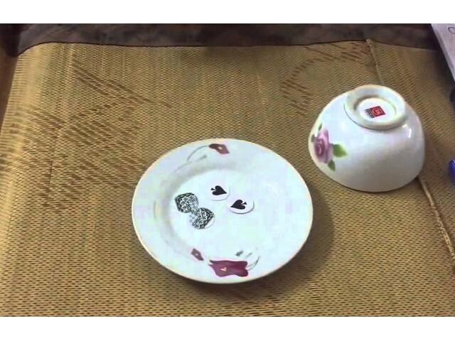 Xóc đĩa truyền thống với các vật dụng quen thuộc