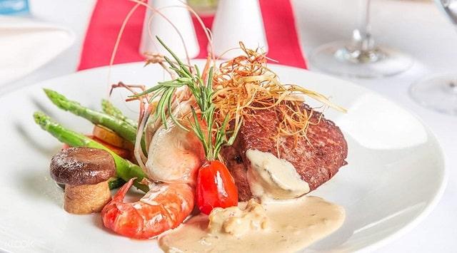 ăn tối trên tàu Sài Gòn Princess (3)