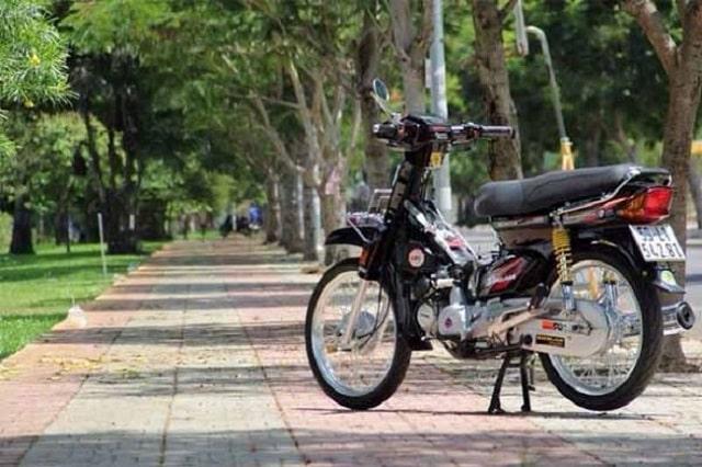 có nên tháo yếm xe máy khi sử dụng (1)