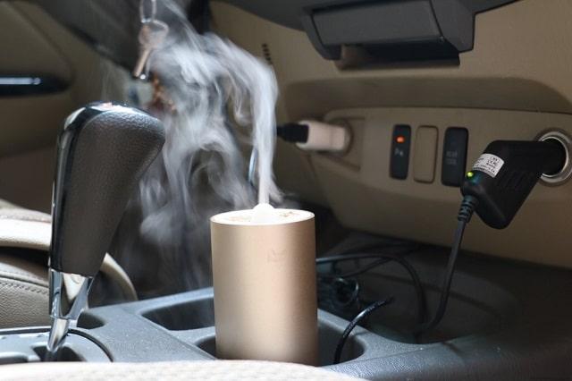 máy khuếch tán tinh dầu ô tô (3)