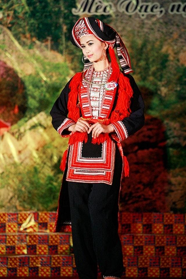 trang phục dân tộc bố y (2)